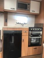 2015 SWIFT EXPLORER 4FB CARAVAN 17FT